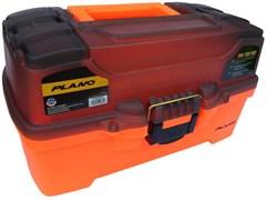 Ящик Plano 6221 с 2х уровневой системой хранения приманок и 2-мя боковыми отсеками на крышке ярко-оранжевый